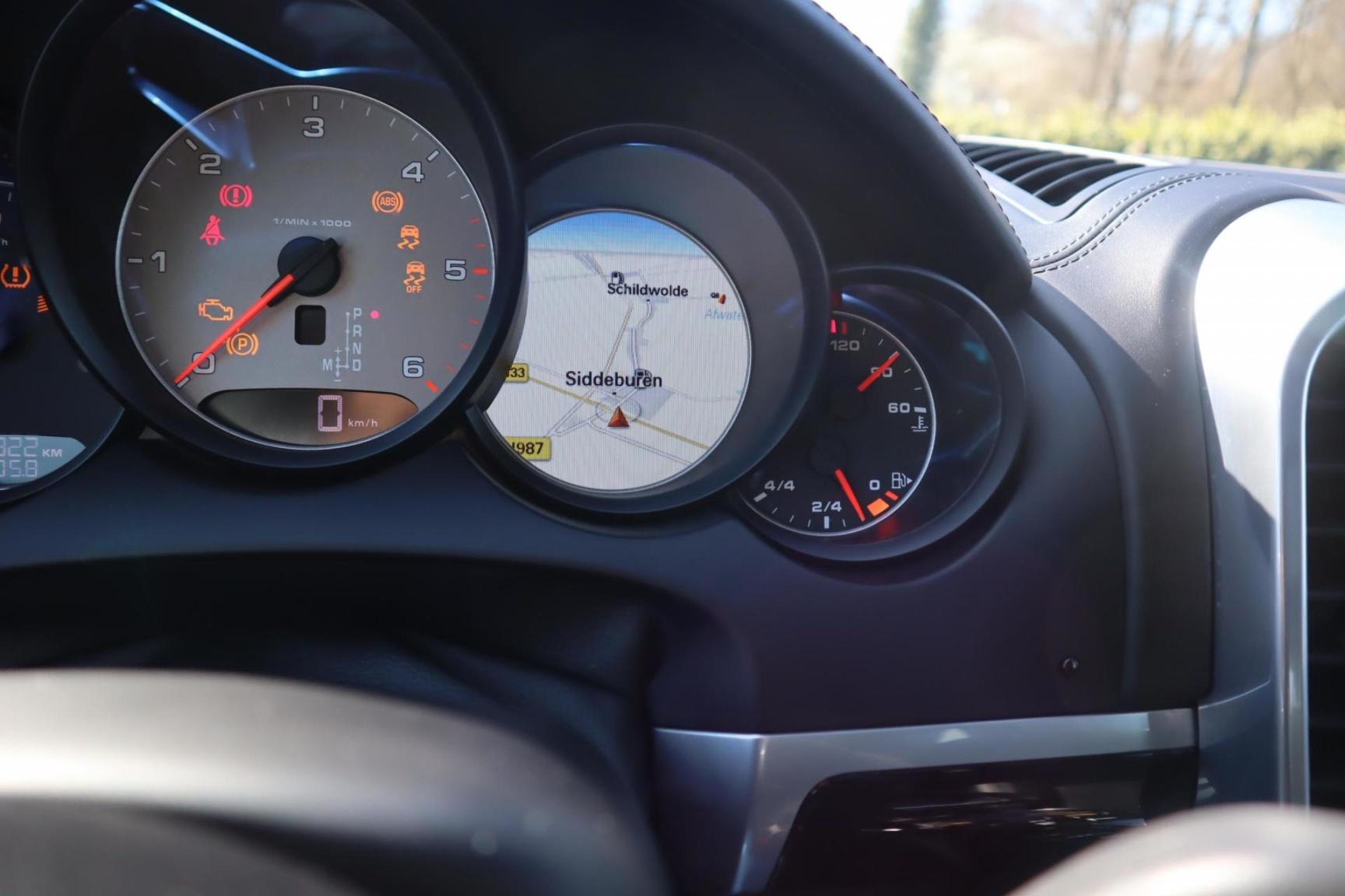 Porsche-Cayenne-43