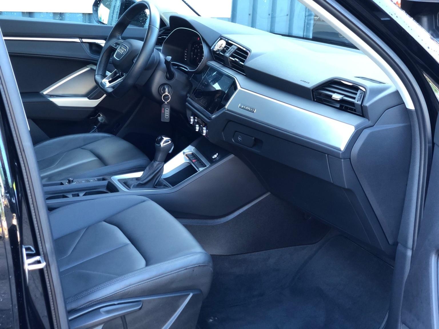 Audi-Q3-23