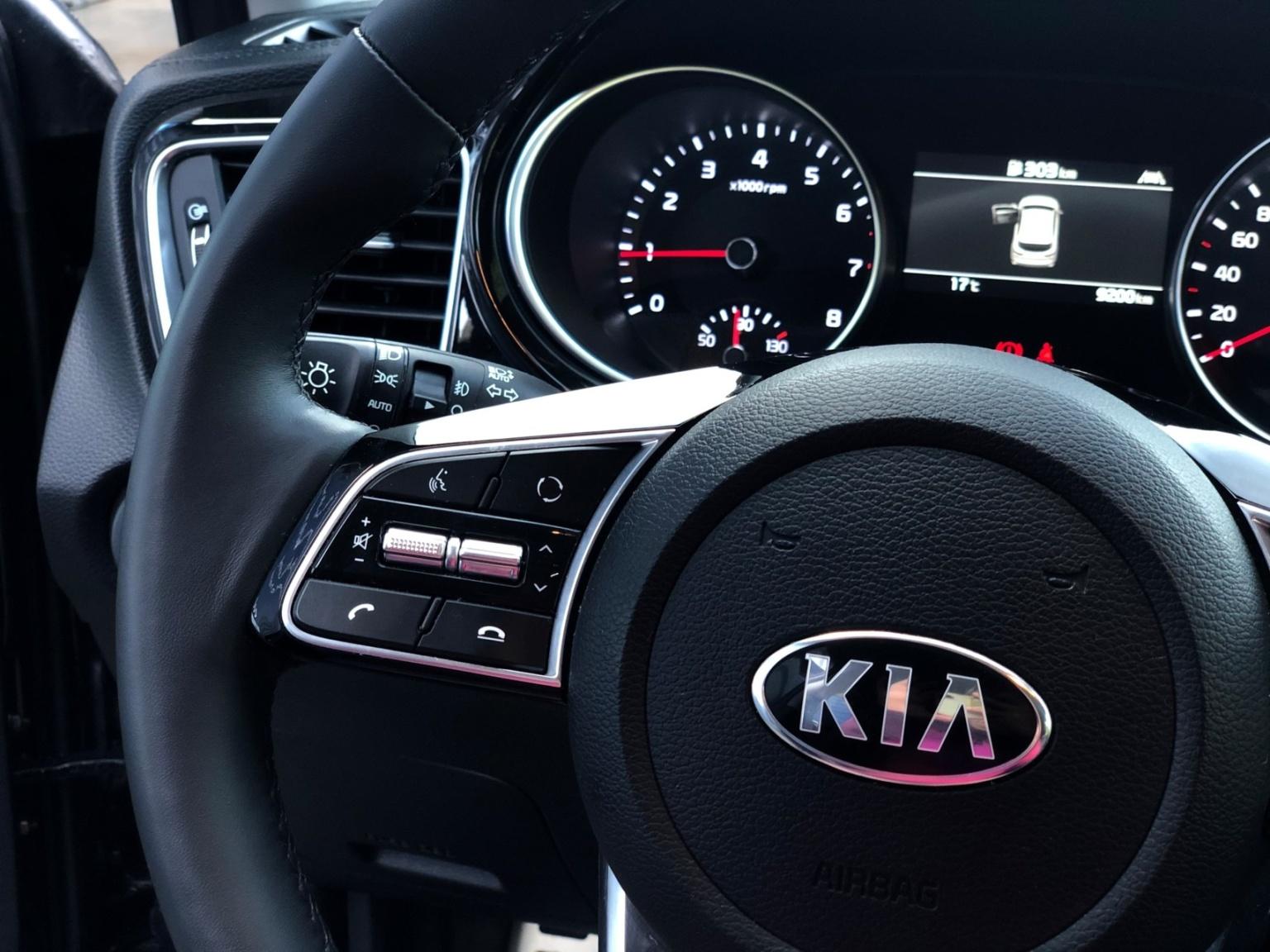 Kia-Xceed-15