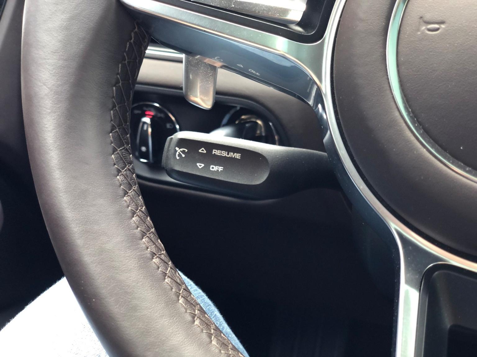 Porsche-Macan-15